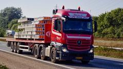AH54170 (16.09.13)DSC_3974_Balancer (Lav Ulv) Tags: 214291 kloster mercedesbenz actros actros2545 actros963 2013 afmeldt2018 retiredin2018 abgemeldet2018 e5 euro5 6x22 flatbed kelbergtrailer red truck truckphoto truckspotter traffic trafik verkehr cabover street road strasse vej commercialvehicles erhvervskøretøjer danmark denmark dänemark danishhauliers danskefirmaer danskevognmænd vehicle køretøj aarhus lkw lastbil lastvogn camion vehicule coe danemark danimarca lorry autocarra danoise vrachtwagen trækker hauler zugmaschine tractorunit tractor artic articulated semi sattelzug auflieger trailer sattelschlepper vogntog oplegger sættevogn motorway autobahn motorvej vibyj highway hiway autostrada