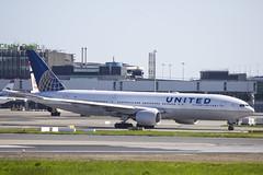 N213UA | United Airlines | Boeing B777-222(ER) | CN 30219 | Built 2000 | DUB/EIDW 16/05/2018 (Mick Planespotter) Tags: aircraft airport 2018 nik sharpenerpro3 dublinairport collinstown b777 n213ua united airlines boeing b777222er 30219 2000 dub eidw 16052018 ua