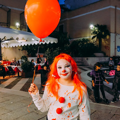 dolcetto scherzetto (Davide Ibiza) Tags: 2018 festival portrait ottobre lid 6x6 fujixe3 1x1 parade davidebaraldi cagliari 1novembre2018 circus clown fujifilmxseries occhialiverdi davideibiza labels aleghero davidebaraldiname fun smile joy happiness party woman one costume dolcettoscherzetto gita wear myfujifilm sardegna people balloon inspiration harrypotter fujifilmxe3 fujilove anyvision birthday adult fujifilm celebration enjoyment