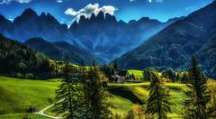 Chiesa di Santa Maddalena (giannipiras555) Tags: dolomiti chiesa colline odle alberi montagna colori verde panorama paesaggio landscape autunno alba nuvole