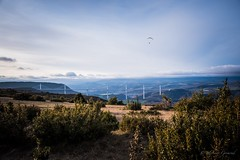 L'Aveyron (stephanegrimoud) Tags: paysage parapente millau viaduc aveyron