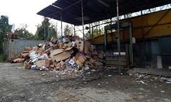 Waiting to be recycled (Ostravak83) Tags: ostrava 2018 nikoncoolpixl830 outdoors podzim autumn recyklace recyclation karton lepenka cardboard paper papír rawmaterials