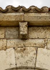 Iglasia de Valdeolmillos, canecillo del pórtico (ipomar47) Tags: iglesia templo church valdolmillos iglesiadevaldeolmillos iglesiadesanjuanbautistadevaldeolmillos iglesiadesanjuanbautista cerrato elcerrato palencia castillaleon castillayleon españa spain arquitectura architecture romanico romanesque
