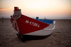 (Fernando Crego) Tags: nazare portugal leiria nikon d750 boat playa praia beach sunset