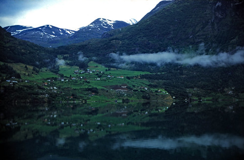 "Norwegen 1998 (263) Oppstrynsvatnet • <a style=""font-size:0.8em;"" href=""http://www.flickr.com/photos/69570948@N04/45658221025/"" target=""_blank"">View on Flickr</a>"