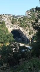 111 - Ardèche - Pont d'Arc (paspog) Tags: france ardèche pontdarc vallonpontdarc montagne rivière mountain river berg fluss août august 2018