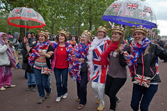 Diamond Jubilee (Gary Kinsman) Tags: canon28mmf18 canon5dmkii canoneos5dmarkii candid streetphotography streetlife diamondjubilee jubliee celebration patriotism unionflag unionjack flag london themall sw1 umbrella 2012