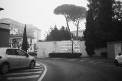 L1045717 (Daniele Pisani) Tags: lenzuola signa protesta smog traffico code file lastra nebbia fuomo fumo strada