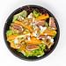 Salat mit Kürbis, Feigen, Walnüssen, Sellerie und Frischkäse