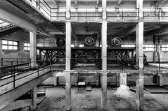Strange machines (Lo.Re.79) Tags: abandoned decay emptyspaces exploration forgotten industry italy machinery rotten rottenplaces urban urbex