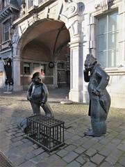 Djoseph èt Françwès, statues at Place d'Armes, Namur, Belgium (Paul McClure DC) Tags: belgium belgique wallonie wallonia feb2018 namur namen ardennes modern sculpture historic architecture statue