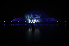 Christmas at Kew 2018 (MrBlueSky*) Tags: christmasatkew christmas christmaslights kewgardens royalbotanicgardens london lights laser night outdoor water pentax pentaxart pentaxlife pentaxawards pentaxflickraward pentaxk1mkii aficionados palmhouse pond