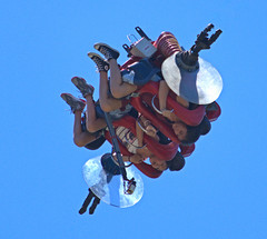 Free Falling (Scott 97006) Tags: ride girls ladies sky fly inverted down fall fear excitement