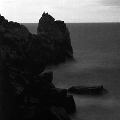 savage rocks [mottle'd] (FloatingLens) Tags: 2018 availablelight bw carlzeiss hasselblad ilford lee liguria mediumformat sonnart4180 travel tripod v700