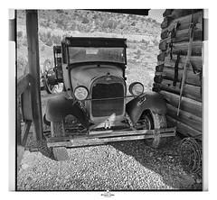 - Parked at Home - (claudiov958) Tags: 50mmf4distagon arizona biancoenero blancoynegro claudiovaldés černýabílý film hp5plus ilfosol3 noiretblanc pretoebranco rollei6008 blackwhite czarnyibiały mediumformat schwarzundweiss черноеибелое ngc ghosttown truck