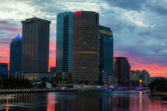 Pink Sky in Morning (Photomatt28) Tags: beercan effects florida hillsboroughriver reflection rivergatebuilding skyline sunrise sykesbuilding tampa tampariverwalk unitedstates us