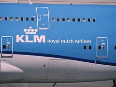 KLM 747-406 PH-BFN (kenjet) Tags: klm klmroyaldutchairlines boeing 744 747400 747406 phbfn cityofnairboi airplane jet aviation airline airliner kl blue flugzeug sf sfo ksfo sanfranciscointernationalairport ramp arriving arrival jumbo queenoftheskies