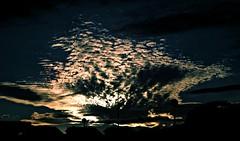 Nuclear-Feliz semana (portalealba) Tags: cuartedehuerva zaragoza aragon españa spain portalealba pentax pentaxk50 nubes nwn atardecer 1001nights