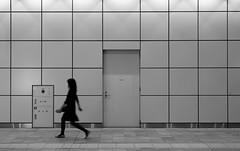 (cherco) Tags: woman metro metropolitan metropolitano solitario solitary silhouette silueta shadow sombra street square composition composicion canon city cuadrado walker japan japon tokyo ciudad canoneos5diii chica station train urban door geometric geometrico arquitectura architecture minimalism blancoynegro blackandwhite