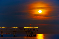 So you like the full moon shots! (Fnikos) Tags: sea water mar seascape landscape sky skyline cloud pont puente pier bridge architecture construction decoration city lighthouse bay boat people dusk nightfall atardecer anochecer moon moonrise luna lunallena badalona outdoor
