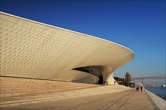 03_51 MAAT (k_man123) Tags: portugal lisboa lisbon belem museum maat architecture entrance curve curved water river bridge