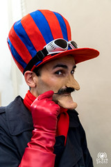 Dick Dastardly (andrea.prave) Tags: luccacomics luccacomicsgames luccacomics2018 luccacomicsgames2018 2018 lucca fiera fumetto comics cosplayer cosplay costumi luccacg luccacg18 luccacg2018 コスプレ wackyraces dickdastardly muttley
