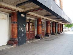 abandoned theatre (chrisinplymouth) Tags: column portico theatre abandoned empty pavement street perspective unionstreet plymouth devon uk england city cw69x desx diagx xg diagonal plain