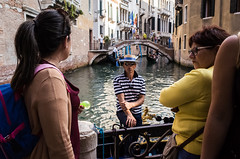 Venezia, 2018 (Antonio_Trogu) Tags: streetphotography ricoh gondoliere italy italia ricohgr2 gondole venezia ricohgrii urban antoniotrogu canpubphoto unposed antonio trogu venice 2018 gondolas street photography ricohgr candid