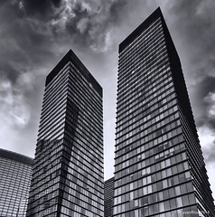 City Centre (evanffitzer) Tags: lasvegas vegas iphone7 bw blackandwhite mono monochrome skyline architecture skyscraper city clouds tall street nik evanfitzer evanffitzer windows pointy up glass