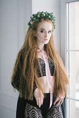 000052 (KirillSokolov) Tags: girl portrait nikon nikonru nikon8008s film 8514 85mm fujifilm400h 85d daylight studio finearts девушка портерт россия иваново дневнойсвет плёнка никон 85мм фуджи весна цветы flowers spring sexy pretty beauty cute young redhead redhair longhair рыжая