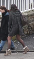 1184 (SadCire) Tags: woman female frau femme mujer girl mädchen fille chica teen thigh tights pantyhose stockings calves legs miniskirt minidress skirt dress heels street strabe rue calle candid sexy