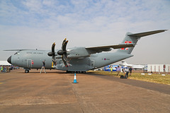 ZM416 Airbus A400M Atlas C1 Royal Air Force RIAT RAF Fairford 13th July 2018 (michael_hibbins) Tags: zm416 airbus a400m atlas c1 royal air force riat raf fairford 13th july 2018 transport cargo freighter freight defence strategic military aircraft aeroplane aviation aerospace airplane aero airshow prop private props propeller turboprop turbos turbo a400