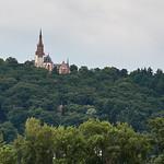 Kirchtürme über den Rhein von Rüdesheim, Deutschland thumbnail