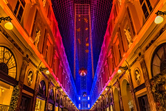 Christmas Light Show at Galerie St Hubert, Brussels, Belgium (andrewhardyphotos) Tags: christmas galeriesainthubert nikond7200 sigma1750mmf28exdcoshsm brussels bruxelles belgium belgique belgië lightshow architecture colorful decorations shopping city center downtown urban festivities festive christmasseason