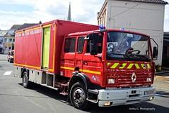 CS Harnes - VSD 1 (Arthur Lombard) Tags: pompiers casernedepompiers firedepartment france firebrigade firetruck firestation emergency 911 999 112 18 renault renaulttruck renaultm160 gyrophare bluelight gyroled vsd nikon nikond7200