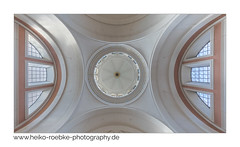 Gewölbe / vault (H. Roebke) Tags: 2018 de canon5dmkiv building stclemens gebäude colour symetrie farbe architektur hannover vault kuppel architecture sigma1224mmf40dghsmart pattern gewölbe lightroom muster greatphotographers