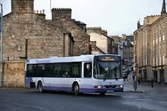 First Glasgow SJ51 DJU (61654) | New Street, Paisley (Strathclyder) Tags: first glasgow firstglasgow volvo b10ble wright renown sj51 dju sj51dju 61654 paisley new street renfrewshire scotland olympialivery scotstoun sv644
