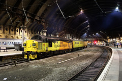 37099 1Q64 york plt5 14.01.2019 (Dan-Piercy) Tags: colasrail class37s 37099 37521 yorkstation plt5 1q64 derby rtc nevillehill via scarborough testtrain ecml