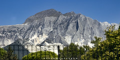 Carrara Tuscany Italy 2018 (John Hoadley) Tags: marble mountain carrara tuscany italy 2018 september canon 7dmarkii 24105 f45 iso400 trainride
