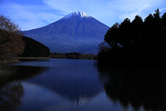 Lake Tanukiko of the morning (ULTRA Tama) Tags: lake tanukiko morning mtfuji mtfujiwhc japan shizuoka fuji todays dayliphoto instadaily photogenic igjapan loversnippon worldcaptures flickrfriday welovef september 2018 worldheritage tabijyo genicmag retripjapan retripshizuoka explorejapan traveljapan radiof artofimages ftimes genictravel geniclife genicblue genicjapan genicphoto genictown genicsummer tabijyosummer tabijyomaptwn tabijyotravel faith protection light years