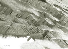 Reflejos horizontales. Horizontal reflections. (Esetoscano) Tags: reflejos reflections charcos puddles pavimento pavement edificios buildings reflejosenhorizontal horizontalreflections plazademariapita maríapitasquare a coruña galiza galicia españa spain esetoscano