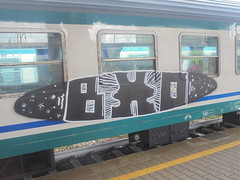 259 (en-ri) Tags: bxo train genova zena graffiti writing bianco nero