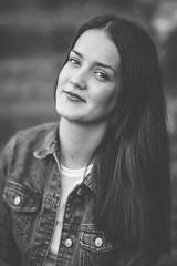 DSC_6767-Editado.jpg (Photo Brown) Tags: portrait retrato woman girl model modelo smile sonrisa luz light strobist octabox simaart 85mm 85 grancanaria canarias canaryislands eyes ojos mirada hair makeup mua jardincanario bw blancoynegro byn bokeh desenfoque moda mode fashion sigma art sigmaart
