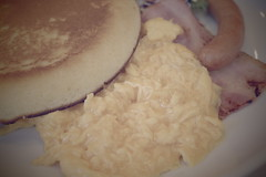 breakfast pancake scramble egg, bacon, sausage RICOH GR 21 (HAMACHI!) Tags: tokyo 2019 japan ricoh ricohgriii ricohimaging ricohgr gr gr3 griii loadtest cameratest shibuya breakfast pancake scrambleegg