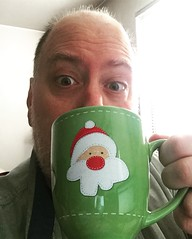 Day 2512: Day 322: Let it begin... (knoopie) Tags: 2018 november iphone picturemail doug knoop knoopie me selfportrait 365days 365daysyear7 year7 365more day2512 day322 holidaymug santa hohoho christmas letitbegin