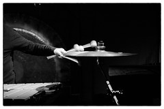 Lino Capra Vaccina @ Cafe Oto, London, 12th January 2018 (fabiolug) Tags: cymbal mallets linocapravaccina minimalism percussions percussionist cafeoto london dalston music gig performance concert live livemusic leicammonochrom mmonochrom monochrom leicamonochrom leica leicam rangefinder blackandwhite blackwhite bw monochrome biancoenero zeisscsonnartf1550mmzm zeisszm50mmf15csonnar zeisscsonnar zeisssonnar zeiss sonnar 50mm sonnar50mm 50mmf15