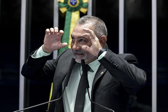 Plenário do Senado (Senado Federal) Tags: plenário senadortelmáriomotaprosrr sessãonãodeliberativa mãos gesticulação brasília df brasil bra