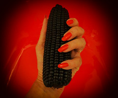 Looks pretty and shiny black .... I think however I have been munching on pig food ..... (Gypsy's Stuff Shamblady) Tags: waxy corn cob mais black malaysia 2012 sep sept september batu ferringhi eden kitchen hand jagung תירס ข้าวโพด sweet кукуруза ပြောင်းဖူး ngô మొక్కజొన్న mısır मक्का maíz コーン milho حبوب ذرة ka palaoa καλαμπόκι blé 玉米 red rojo rouge rot nael nægel ivin nokat ungla nehet negl nagel nail ungo uña küüs kynsi ongle köröm ungula kuku kuko unghia clavus nags difer paznokieć unha unghie ноготь necht noht thua нокат unga mano main negro noir claw