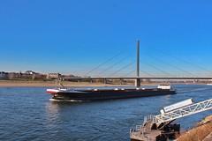 Binnenschiff Factotum  auf dem Rhein bei Düsseldorf (Haeppi) Tags: schiff rhein düsseldorf binnenschiff