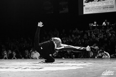 Battle New School international 2018 (Juliane Lancou) Tags: hiphop hiphopphotography hiphipevent hiphopnewschool hiphopmusic dance dancers breakdance quimper brittany france bboying bboys julianelancou canon canonphoto 5dmarkii action expression bodylanguage peace love unity havingfun onstage performance style lifestyle workout healthy blackandwhite